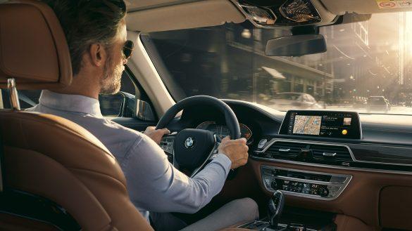 BMW 7er Limousine Connectivity