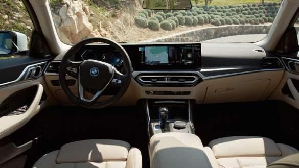 BMW i4 Cockpit