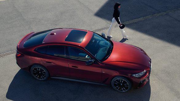 BMW 4er Gran Coupé G26 BMW Individual Aventurinrot metallic Vogelperspektive